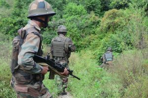 Army soldier, 6 terrorists killed in Shopian encounter