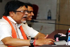Absurd; Chandan Mitra terms Amit Shah's claim of BJP winning 22 LS seats in Bengal