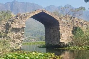 Iconic Oont Kadal in Srinagar's Dal Lake to be restored