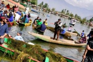 J-K: Sportsmen clean Dal Lake in Srinagar