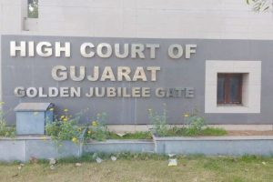 Guj HC admits petition challenging liquor ban