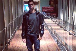 Hrithik Roshan dedicates his airport look to Paparazzi