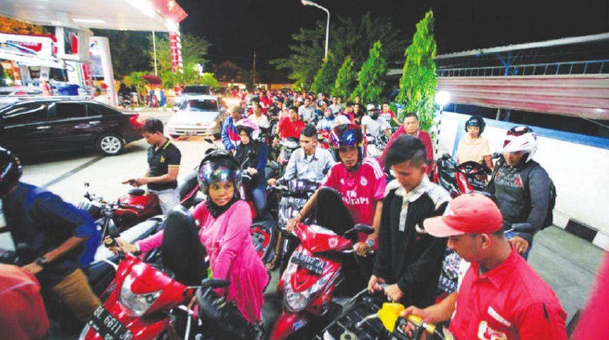 "Indonesia, earthquake,Ratna Sarumpaet,Joko ""Jokowi"" Widodo, social media, Luhut Pandjaitan"