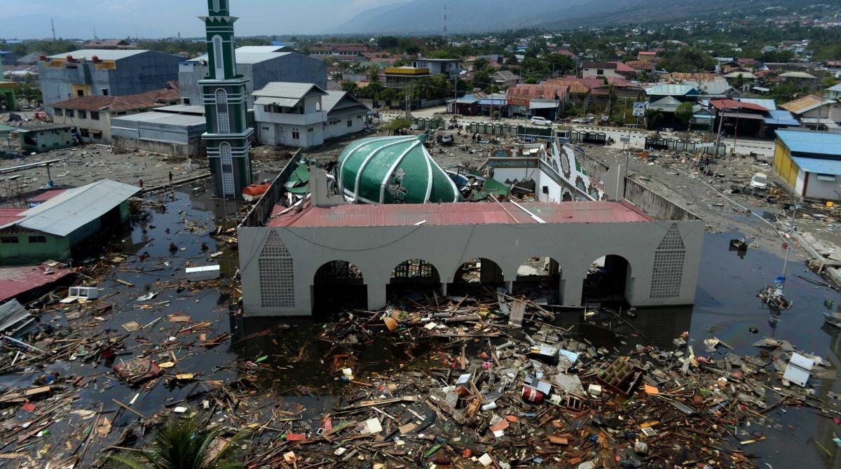 Indonesia earthquake, Indonesia tsunami, Indonesia death toll