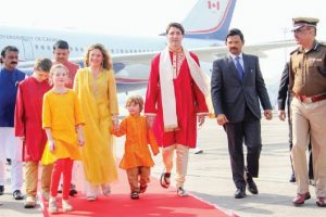 Justin Trudeau, family wish Canadians, others on Navratri