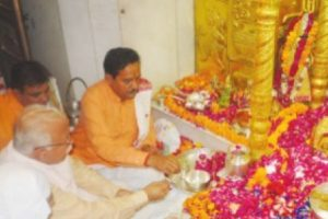 Khattar greets people on Navaratri