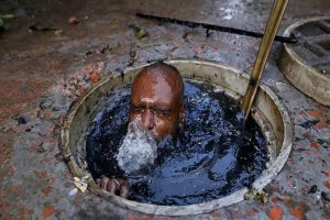Sad manual scavenging exists even 70 years after Independence: Kejriwal