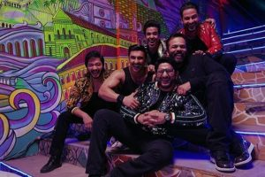 Golmaal boys spread madness in Ranveer Singh's Simmba new song