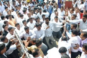 Political slugfest over Odisha lawyers' strike