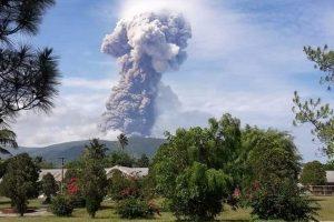 Indonesia: Now, North Sulawesi's Mount Soputan volcano erupts, status raised to Level III