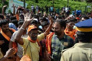 Sabarimala violence: Kerala Police releases photos of over 200 suspected protesters