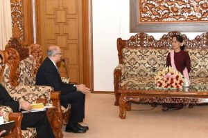 Indian foreign secretary discusses bilateral cooperation with Suu Kyi