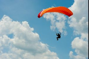 1 paraglider dead in Bengal accident