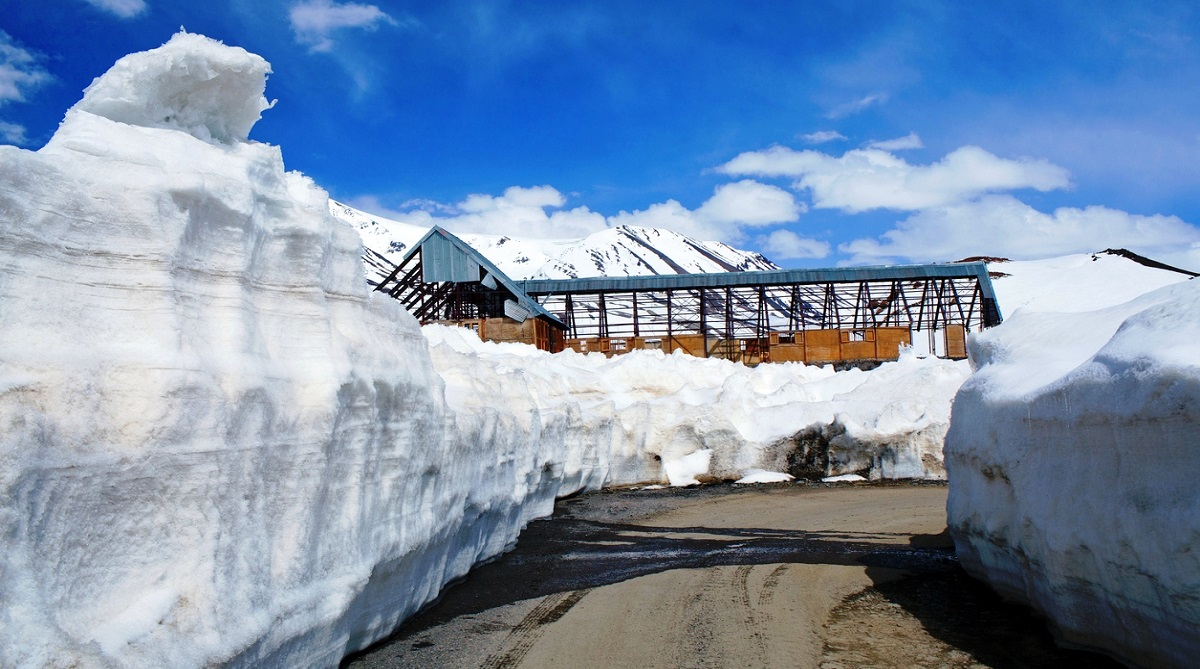 Rohtang pass, vehicular traffic, Rohtang pass re-opened
