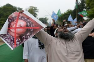 Pakistan blasphemy case: Asia Bibi's husband pleads for asylum