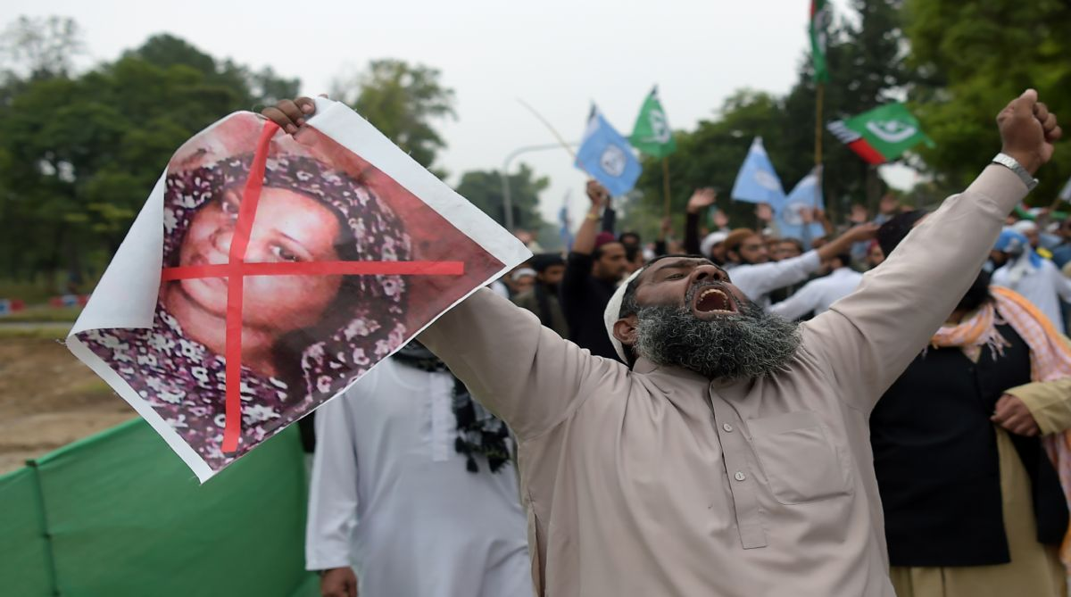 Blasphemy protests, Pakistan court, Islamists, Asia Bibi, Supreme Court