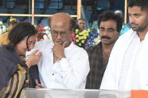 PM Modi, Rahul Gandhi express grief over Ambareesh's death | Karnataka announces 3-day mourning
