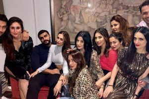 Malaika Arora and Arjun Kapoor party with girl gang at Maheep Kapoor's bash