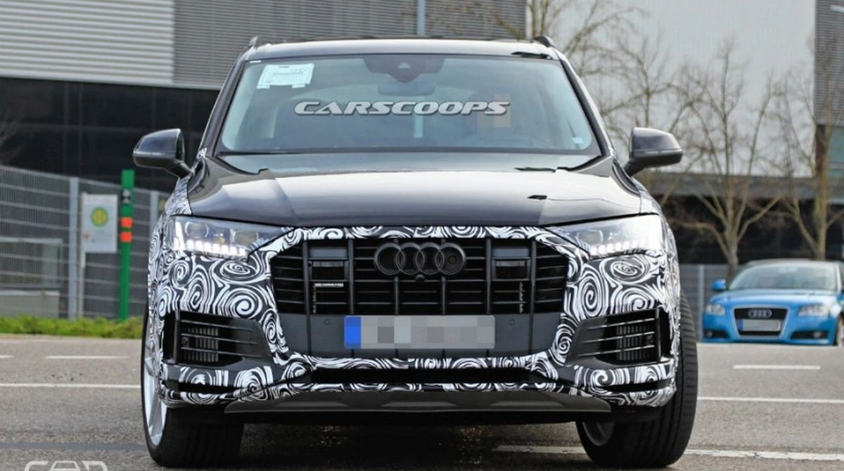 2020 Audi Q7 Facelift Interior Spied Reveals New Dashboard Design