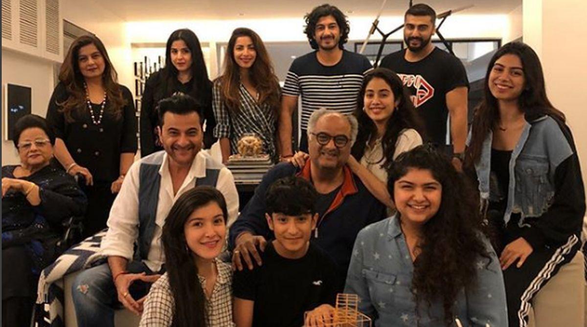 Boney Kapoor, Arjun Kapoor, Janhvi Kapoor, Khushi Kapoor, Anshula Kapoor, Sanjay Kapoor