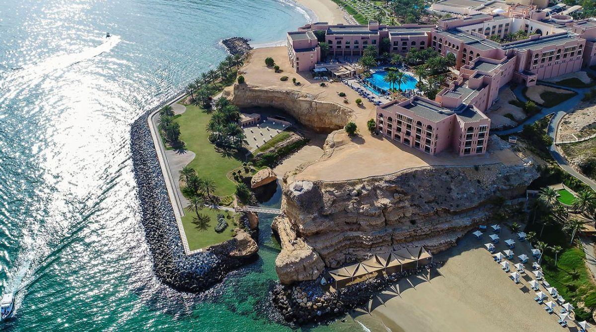 Muscat, Gulf of Oman, Shangri-La Al Husn Resort, L'occitane Hareer Spa, Arabic restaurant