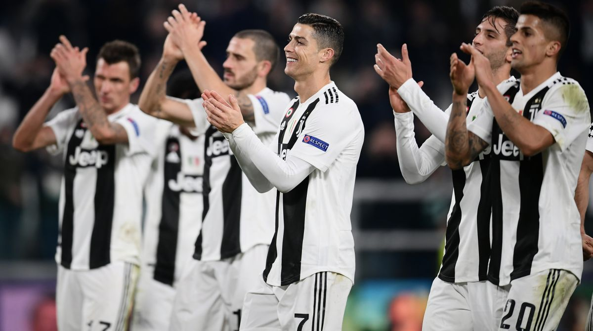 fe00903c5 Twitter goes ballistic as Cristiano Ronaldo scripts history with Juventus