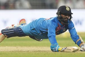 I wanted to just absorb the pressure, help team to win: Karthik