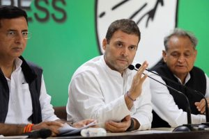 Modi government now looting farmers, says Rahul Gandhi