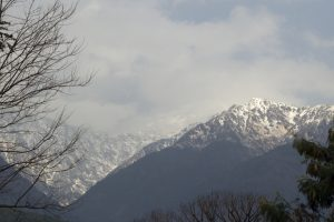 Fresh snowfall in upper reaches of Himachal Pradesh disrupts normal life