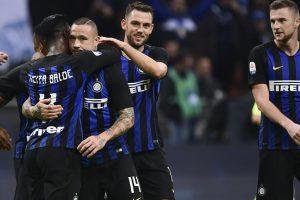 Five-goal Inter back second in Serie A, Florenzi rescues Roma