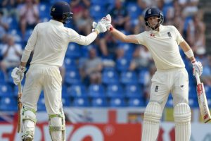 Root's 98 gives England 200-plus lead in second Test