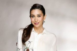 Wish Remo choreographs me one day: Karisma Kapoor