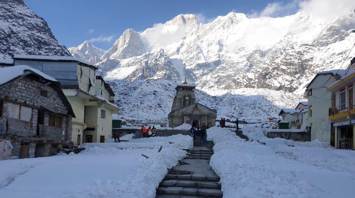 Prime Minister Narendra Modi, Kedarnath, Snowfall, Hindu temple