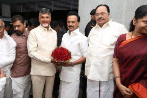 Chandrababu Naidu meets MK Stalin in bid to forge grand alliance