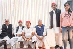 Mulayam's 80th birthday celebrated by Akhilesh, Shivpal separately