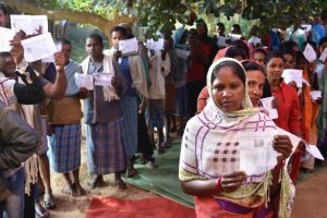 Chhattisgarh polls: 70% voter turnout amid Naxal violence