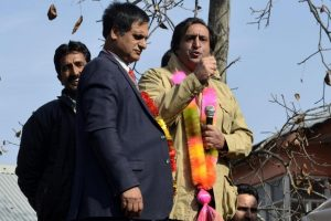 PDP rebel Ansari joins Sajjad Lone's PC