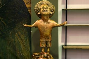 Egyptian king or dwarf? Salah statue mocked online