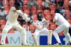 Sam Curran and Jos Buttler save England against Sri Lanka spin