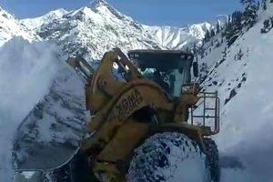 J-K: Leh and Moughal roads closed due to snowfall