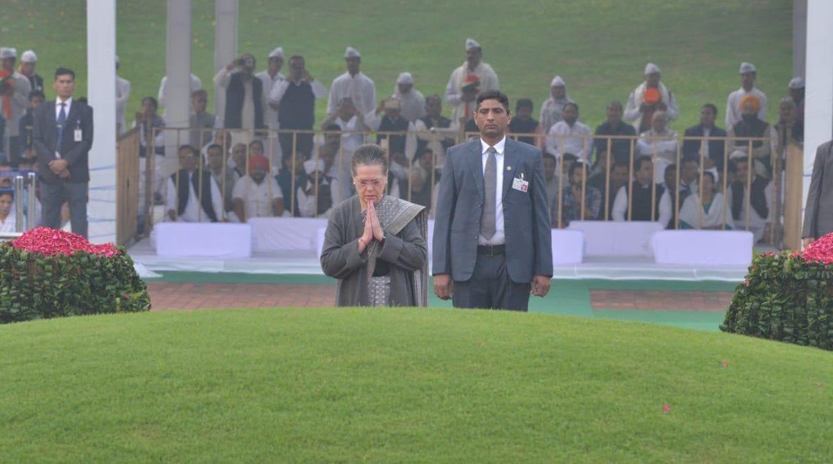 Sonia Gandhi pay tributes to Jawaharlal Nehru