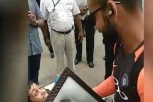 Watch | Virat Kohli, MS Dhoni meet a special fan in Thiruvananthapuram