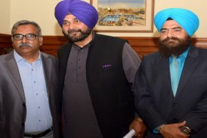 Navjot Sidhu downplays photo with pro-Khalistan leader Gopal Singh Chawla