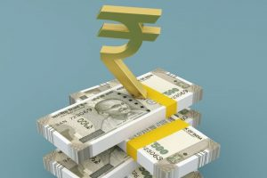 Rupee snaps 4-day losing streak; inches up 2 paise to 69.92 vs USD