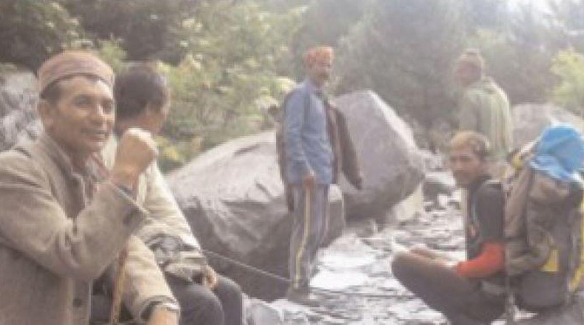 Bara Banghal, Kangra district,PMGSY,trekking,Thamsar Pass,Bir-Bara Banghal trek,Akshay Jasrotia