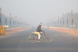 Delhi shivers at 3 degree C, cold wave continues