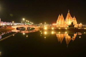 Tourists throng International Gita Mahotsav-2018