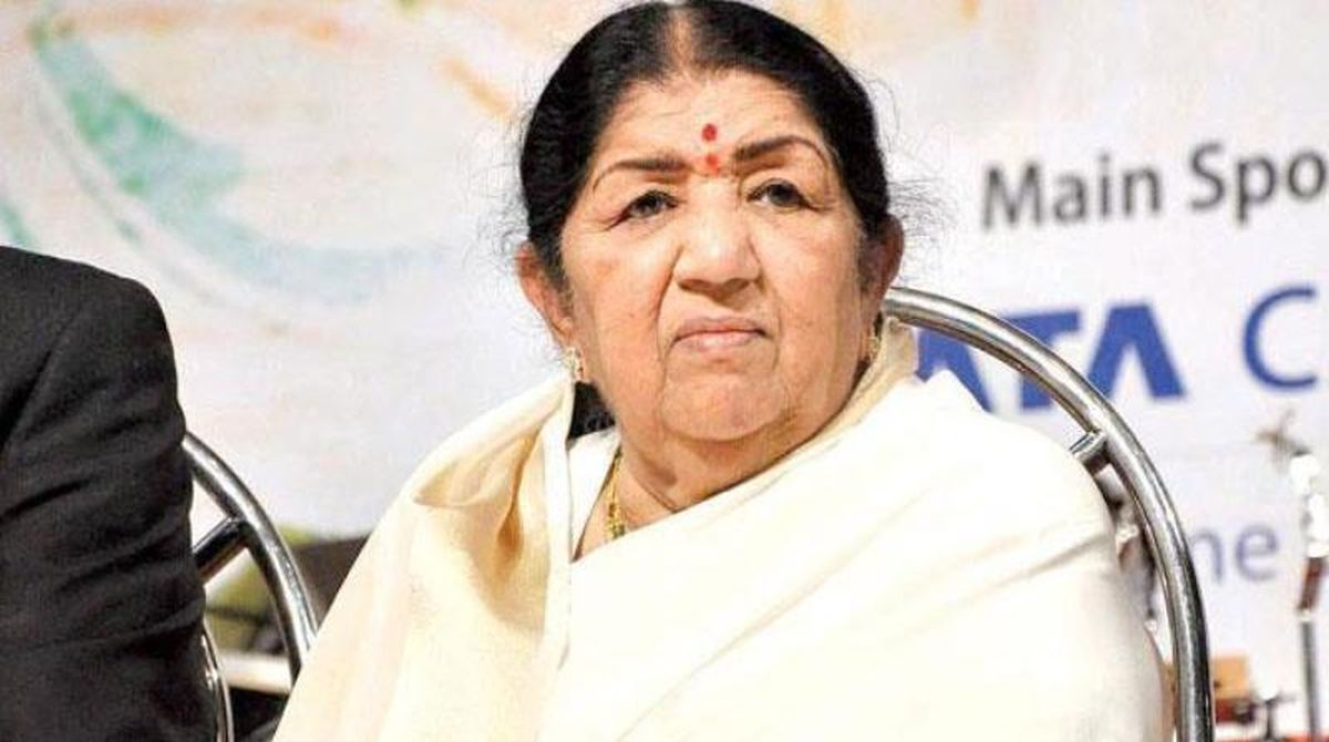 Lata Mangeshkar quashes rumours of being hospitalized | See post