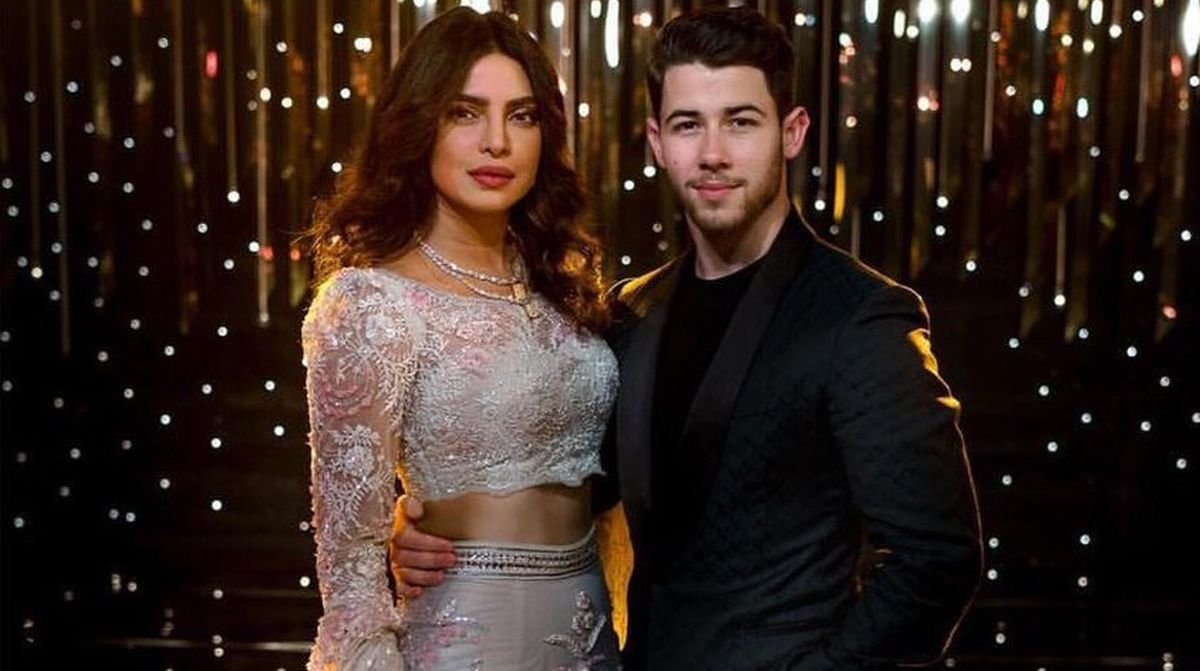 Priyanka Chopra and Nick Jonas look royal couple at Mumbai reception | See video