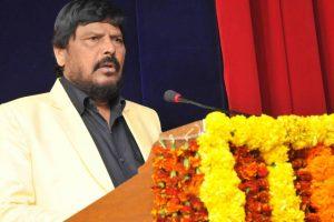Maharashtra: Union minister Ramdas Athawale slapped at public event